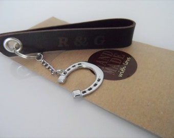 Customizable horseshoe keychain, leather keychain for rider, gift for rider, lucky pendant