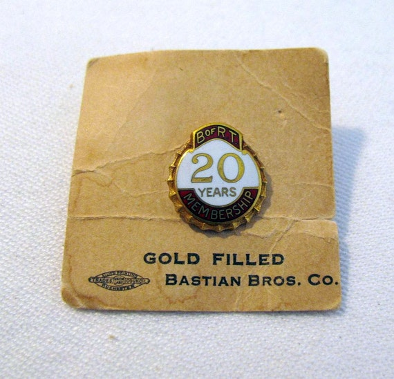 """I Use CO-OP Products Vintage ADVERTISING PINBACK 5//8/"""""""