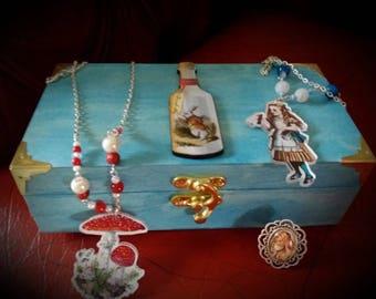 Alice in wonderland necklace. Steampunk necklace. Free gift. Alice in wonderland jewelry. Alice ring. Steampunk gift. Trinket box. Steampunk