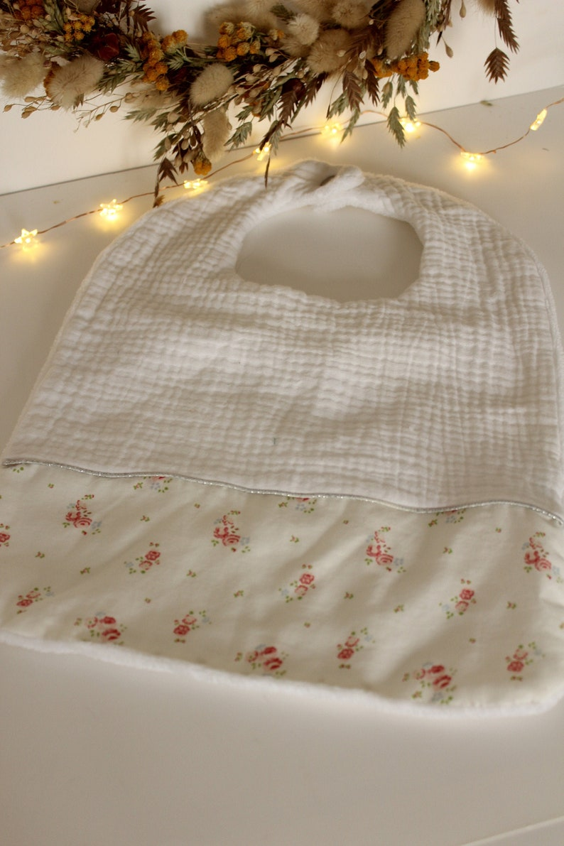 shoulder pad baby gift price big bib Baby bib mixed double white cotton gauze with golden polka dots baby gift