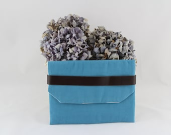 Blue purse / makeup bag / evening bag / chic and elegant pouch in fabric and leather / blue envelope pouch