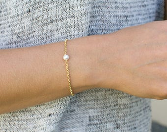 Delicate Pearl Bracelet, Gold Pearl Bracelet, Bridesmaid Gift, Minimal Bracelet, Gift for Her, 14k Gold Fill, Sterling Silver, B215