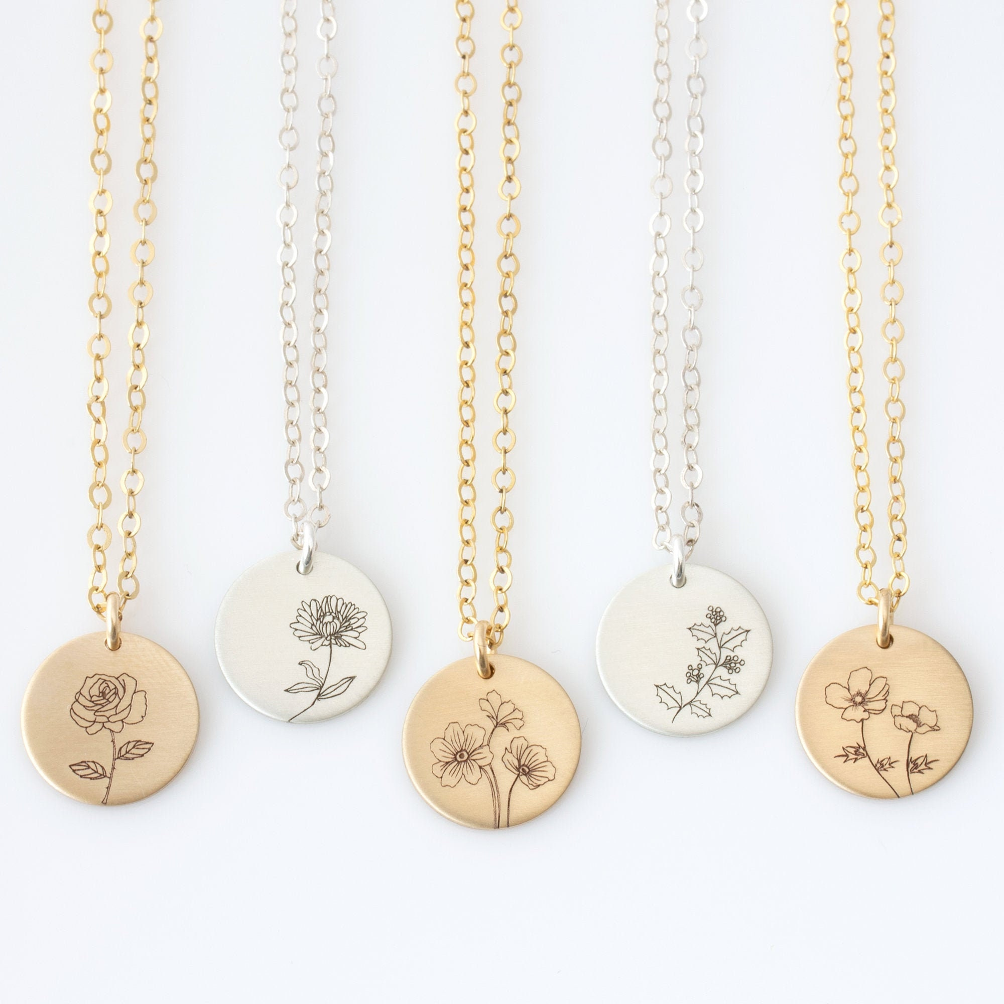 Birth Month Mom Necklace Rose April Birth flower Daisy Flower necklace Silver Mothers Gift Gold Personalized Birth Flower Necklace