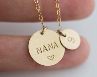 Custom Necklace for Grandma/ Personalized Nana Jewelry/Custom Gift Necklace for Nana/ Grandmothers Necklace/ Personalized Disc Necklace/N289
