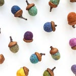 NEW 6X Felted Acorns. Natural Acorn Ornaments. Natural Acorn Caps, For home decor, ornaments, garland, to perfume your living space.