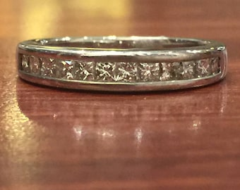18K White Gold & Princess Cut Diamond Band. 0.80ct in total. E/VVS.