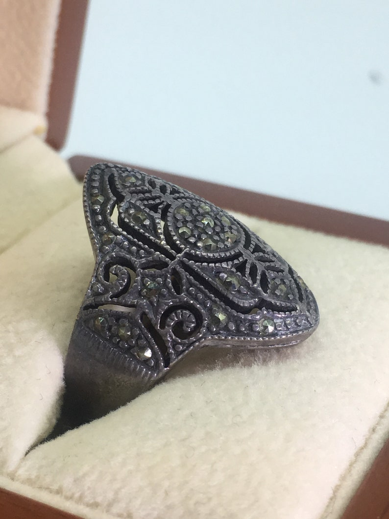 Marcasite /& 925 Sterling Silver Ladies/' Ring