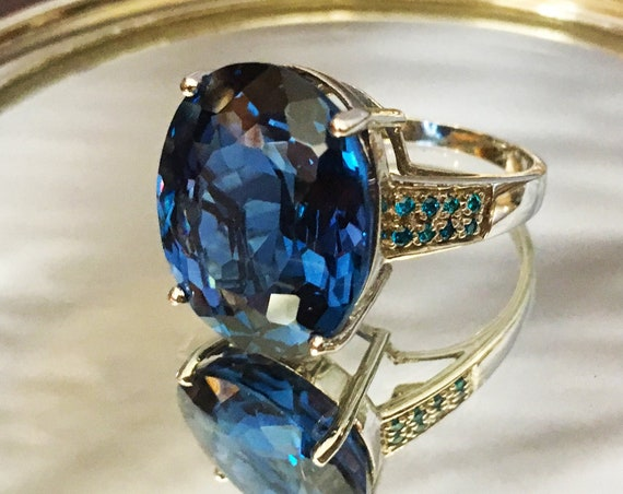 Swiss Blue Topaz Sterling Silver Ring | Size 6.75