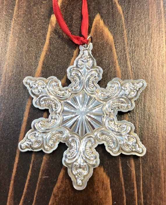 Grande Baroque by Wallace Sterling Silver Snowflake Ornament (2003)