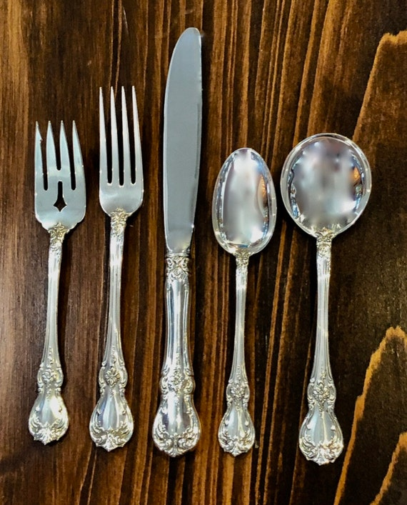 Old Master by Towle Sterling 5 piece Place Setting