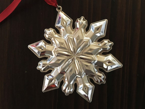 Sterling Silver Snowflake Ornament by Gorham (2002)