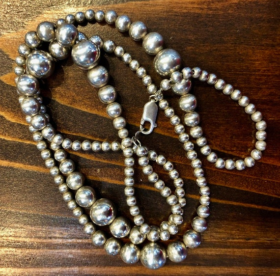 Sterling Silver Graduated Bead/Ball Necklace