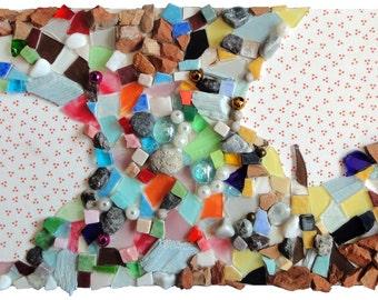 """Artisanat fantaisie : """"Le terrier des petites souris"""", collage techniques mixtes, mosaïque d'art, tableau peinture, décoration, pièce unique"""