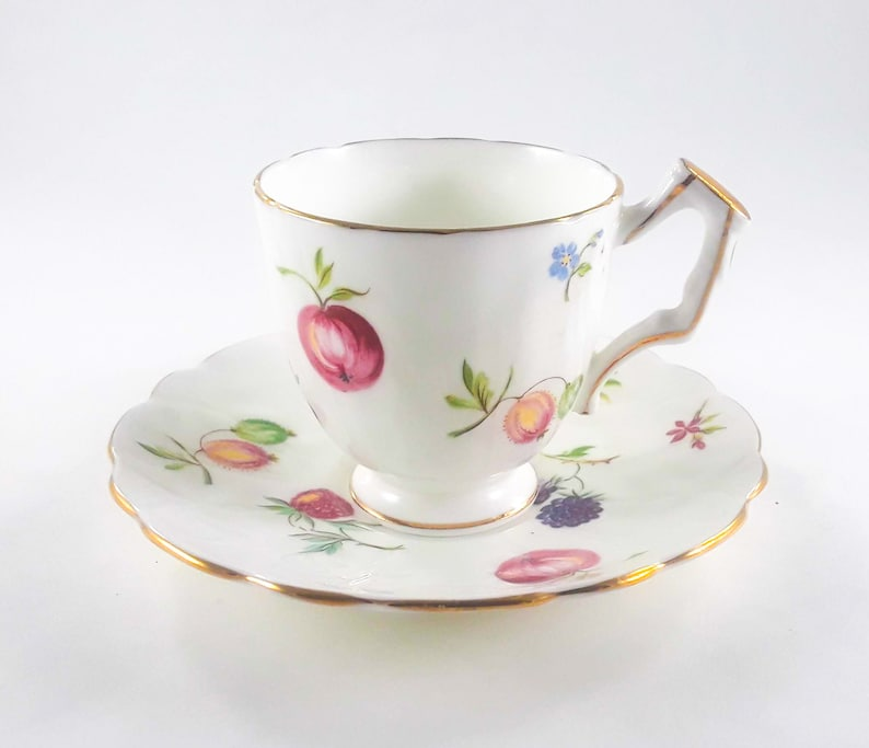 Aynsley England Bone China Florida Pattern Teacup And Saucer image 0