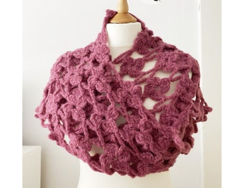 Crochet Maxi Flower Scarf ~ Scarf ~ chunky wool/ alpaca ~ Wine Red / 200cm x 30cm