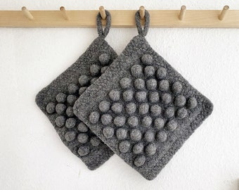 Potholder - rustic hand-knitted and felted - Dark Gray - wool - Home Deco - Felted accessory for the kitchen - Hygge - gift idea