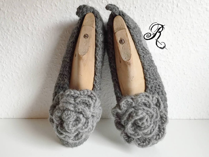 Monochrome grey elegant ladies slippers  with crochet grey image 0