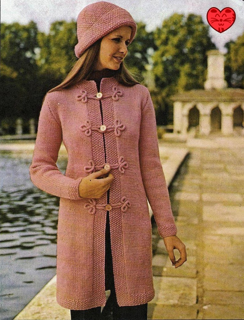 5af6147ae Vintage Knitting Pattern to make A Ladies Mod Fitted Cardigan