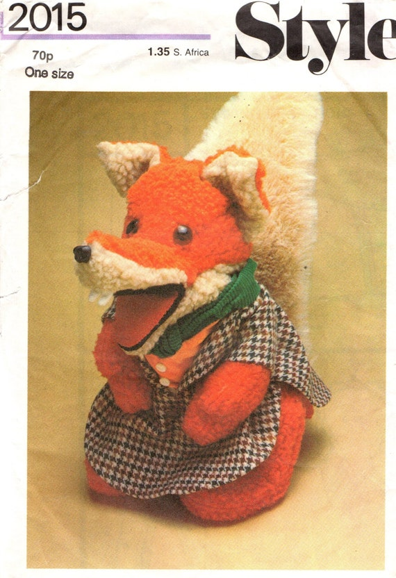 UNCUT Factory Folded Sewing Pattern Style 2015 Basil Brush Fox Glove Puppet 14''Tall approx