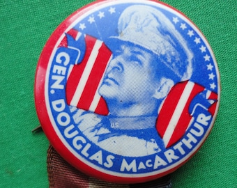 General MacArthur Patriotic Pin