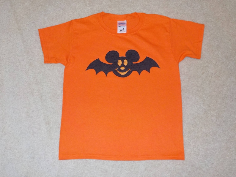 349afa0a8bf8d MiCKeY BaT HALLOWEEN Custom Boutique T SHIRT Tee