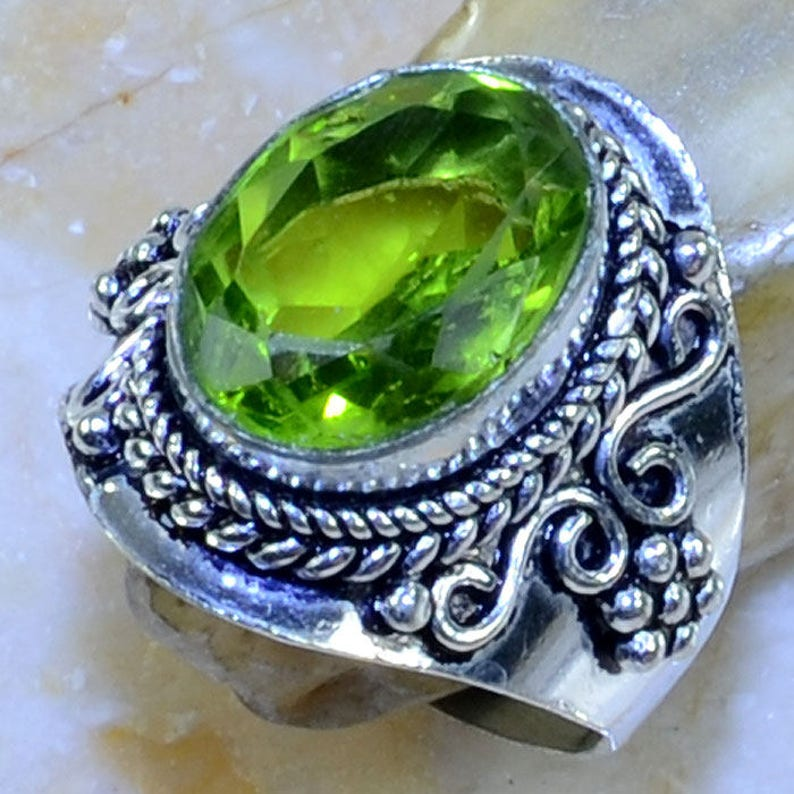 PERIDOT Amulet Sterling Silver Ring Size 8