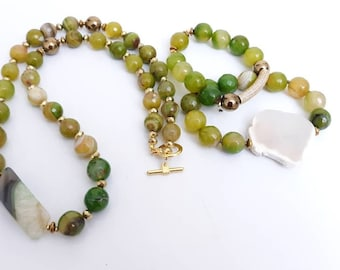 Green Faceted Agate Ladies Gemstone Chunky Statement Necklace & stretch Bracelet Stack of 2. Valentine gift's, gift's for her.