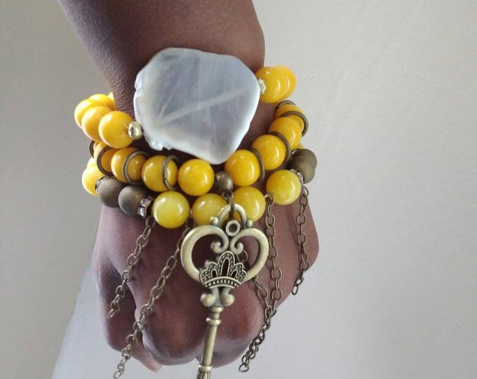 Yellow Jade Gemstone's Chunky Ladies  Beaded Bracelet Trio Stack with bronze Key and Chains. Healing bracelets. Beaded Bracelets.