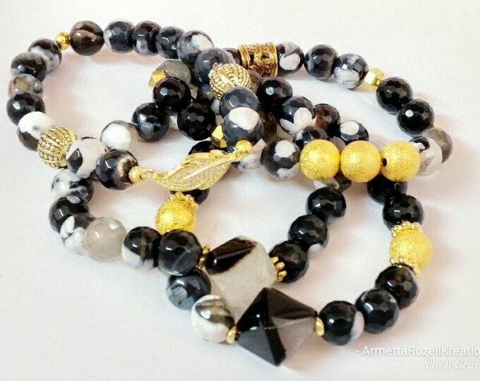 Black & White Faceted Agate beaded bracelet with Gold Beads. Bracelet Stack with leaf zircon Connector. Healing Gemstone Bracelet.