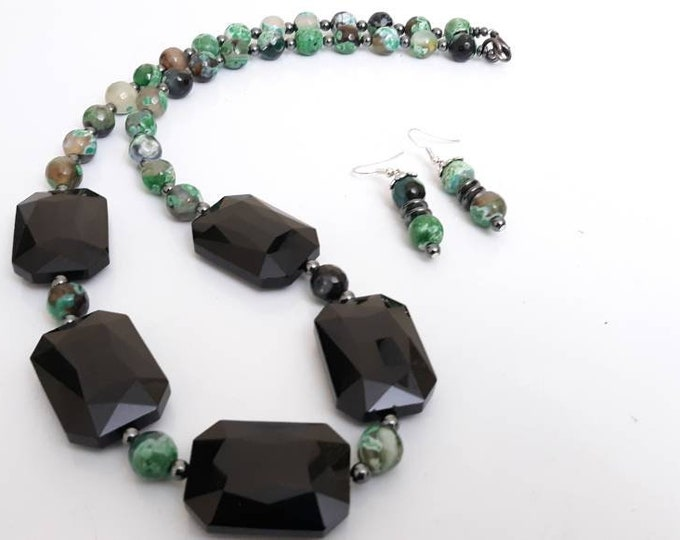 Green & Black Ladies Agate Gemstone statement necklace with black crystal onyx focal beads and matching earring set, gifts for her
