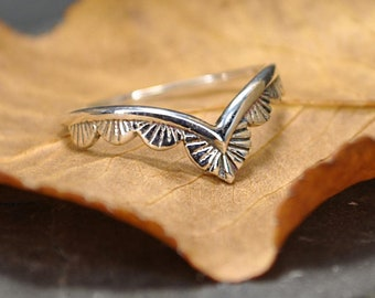 ring and necklace design naif