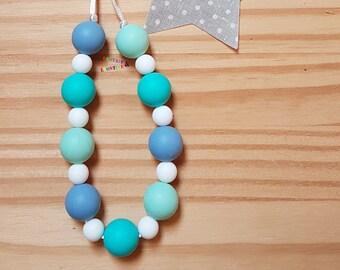 Baby collar (or breastfeeding) blue mint