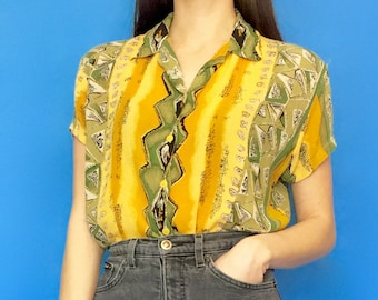 Vintage 80s 90s Yellow Striped Pattern Short Sleeve Collared Button Down Blouse