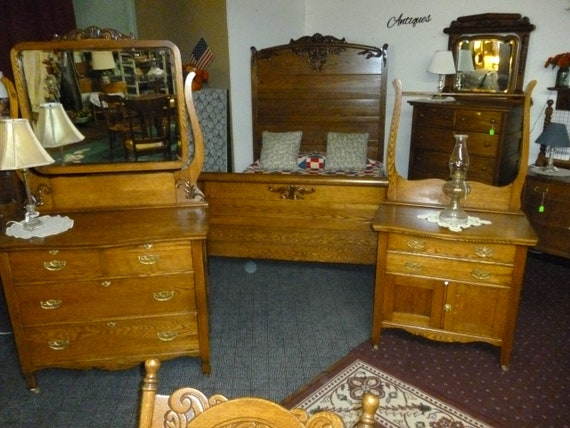 Antique Oak Bedroom Set 3 pc Full Bed, Washstand,. Dresser Ornate carvings  1900\'s