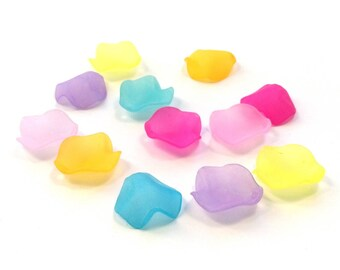 20 beads lucite flowers - mixed colors - 15 mm - C31