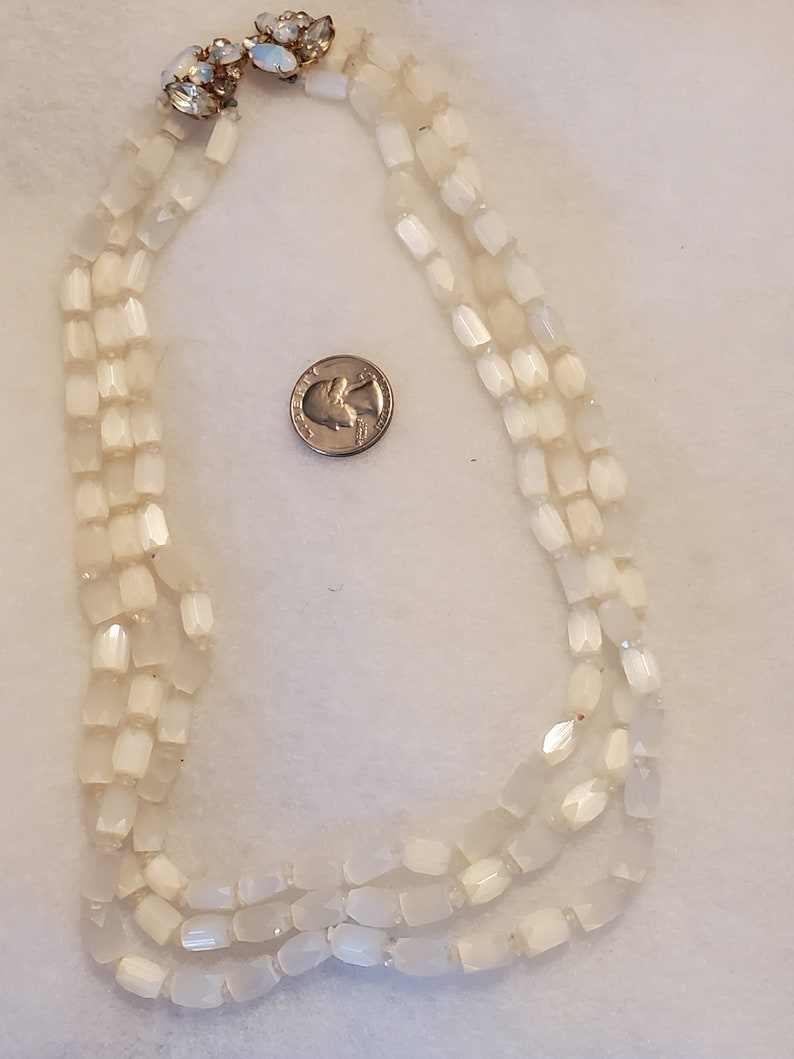 Beautiful Cream with an OPAL glass closure 1930s Satin Atlas Glass 3 strand necklace