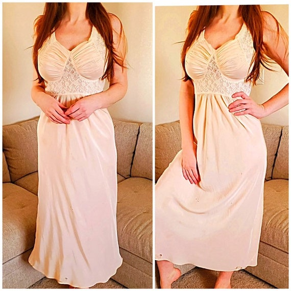 1930s Silk Pale Peach/Pink Nightgown/Gown/Slip/Hos