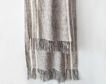 Handwoven linen scarf, linen summer scarf, handwoven womens scarf, handwowen wrap linen, linen scarf, wrap linen, summer scarf, grey scarf