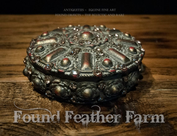 Round Jeweled Metal Vintage Inspired Cache Box