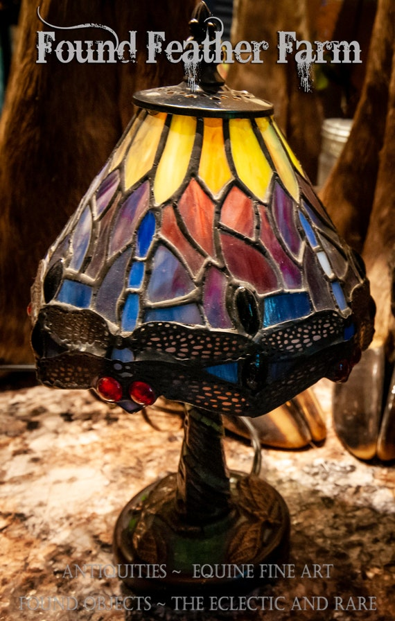 Beautiful Tiffany Style Dragonfly Stained Glass Mini Lamp