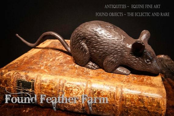 Clever Cast Iron Mouse Doorstop