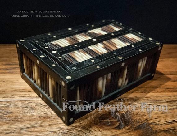 Small Handmade Antique Srilankan Porcupine Quill Box