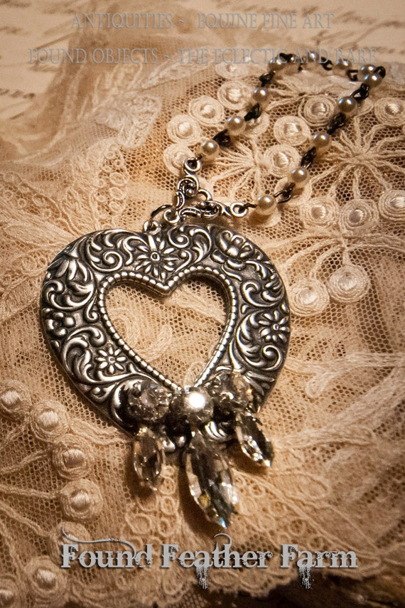 Beautiful Silver Heart Detail with Rhinestones and Beaded Chain