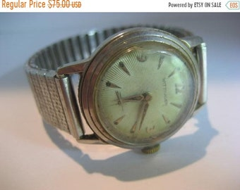 a76a5c8292d0 ON SALE Vintage Wittnauer Hand Wind Military Style Men s Watch Works