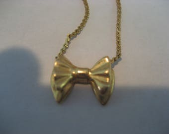Solid 14K yellow gold necklace, very nice