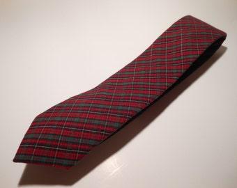 Soft cotton red plaid necktie