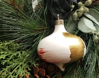 Hand painted curvy ceramic retro ornament - Red and Gold 6