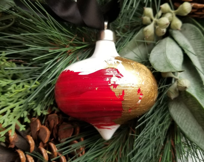 Hand painted curvy ceramic retro ornament - Red and Gold 1