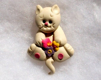 Kitty with Flowers Pin