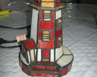 "9 1/2"" Tall Nightlight Red and White Lighthouse Potable Lamp E127879"